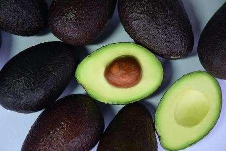 Авокадо полезен для кожи и волос: топ-4 рецепта красоты